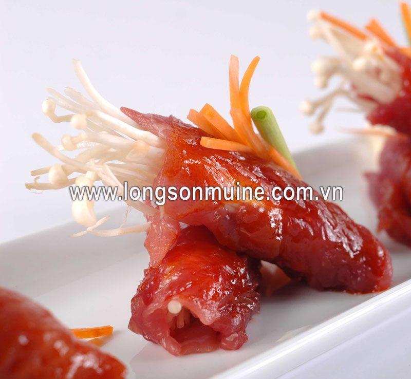 Bò cuốn nấm nướng sốt Thái
